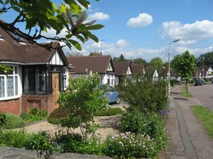 Front gardens on The Royds Estate, Potters Bar