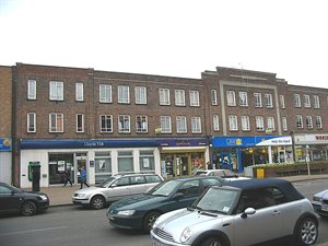 local shops in Darkes Lane, Potters Bar